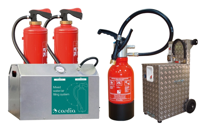 Training extinguishers. Crédits :