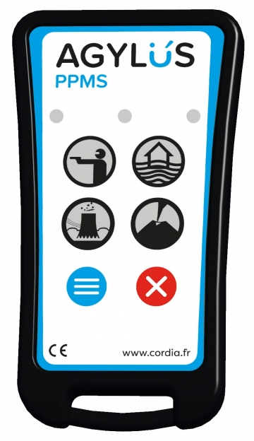 Remote control for emergency alert - AGYLUS. Crédits : ©myfiresafetyproducts.com 2021