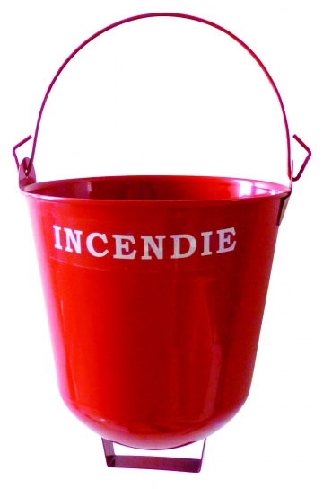 Round-bottomed fire buckets. Crédits : ©myfiresafetyproducts.com 2021